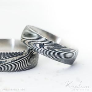 Prima damasteel, vzor dřevo, zatmavený + čirý diamant 1,7 mm, velikost 52, šířka 5,5 mm, tloušťka 1,6 mm, profil B - k 4534