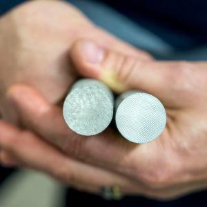 Na výrobu používáme materiál damasteel.