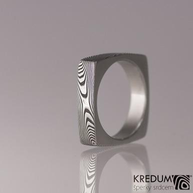 Kovaný prsten damasteel - Round square, dřevo