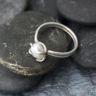 Roots - Stříbrný prsten s perlou