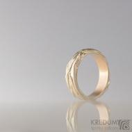 Zlatý snubní prsten - Gordik Red Gold - vel. 50, šíře 4 mm. Červené zlato zalité stříbrem