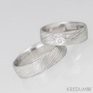 Prima Sestry - snubní prsten z oceli damasteel a 2 diamanty 1,5 mm, struktura voda - pánský bez kamenů