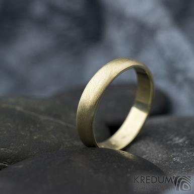 Golden klasik yellow - velikost 54, šířka 4 mm, tloušťka 1,3 mm, profil B - zlatý snubní prsten - produkt SK1766