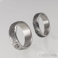 Snubní prsten nerezová ocel damasteel - Natura line - dřevo a čárky