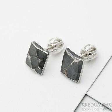Quatro mini Natura, tmavé - kované nerezové náušnice, SK3848
