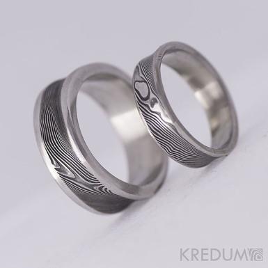 Collium Line - Kovaný snubní prsten se žlábkem ocel damasteel - dřevo