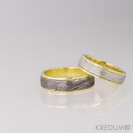 Zlaté snubní prsteny a damasteel - Kasiopea yellow - voda