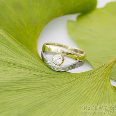 Gemini stone - zlatý a damasteelový zásnubní - snubní prsten a moissanite 4 mm - produkt SK2390