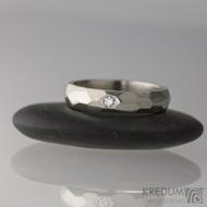 Zlaté snubní prsteny - Skalák Gold white a diamant 2 mm