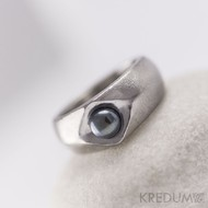 Kovaný nerezový prsten s pravou ČERNOU perlou - Gracia steel