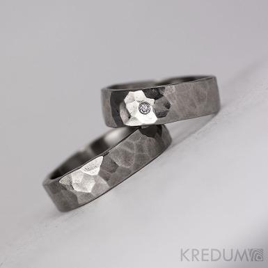 DRAILL + čirý diamant 1,7 mm - Prsten kovaný z nerezové oceli - světlý