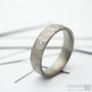 Rock BG titan - Kovaný titanový snubní prsten s diamantem 2 mm, SK3692