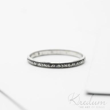 Retro snubní prsten 8 Jahodník stříbro s patinou - SK3806
