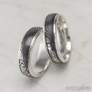 Snubní prsten damasteel a stříbro - Luna, dřevo, 75% tmavý, prsten s tepanými a prsten s hladkými okraji