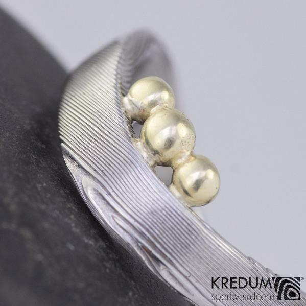 Ozdoba na prsten - zlaté kuličky