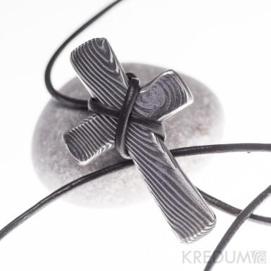 Křížek nerezová ocel damasteel - bez očka