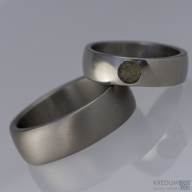 Prsten kovaný - Klasik titan a kámen naturál - lesklý
