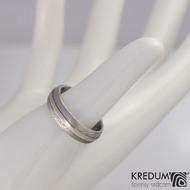 Snubní prsten damasteel a zlato - Duori white, struktura dřevo - velikost 55