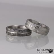 Snubní prsteny damasteel - Prima s linkou, dřevo, 75% tmavé, dámský Prima s linkou a třemi diamanty (ilustrační foto)