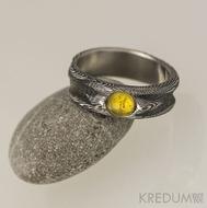Zásnubní prsten damsteel - Víla vod a jantar_kabošon (2)