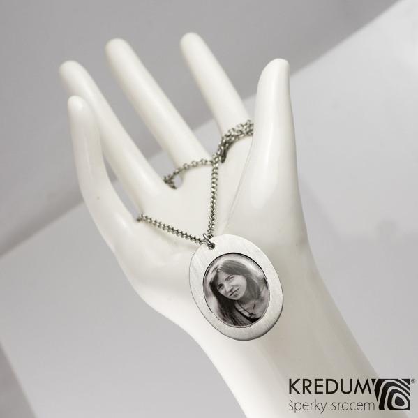 Medailon z nerezové oceli - Oválek