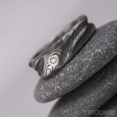 Zásnubní prsten damasteel - Víla vod a čirý diamant, vel. 1,7 mm
