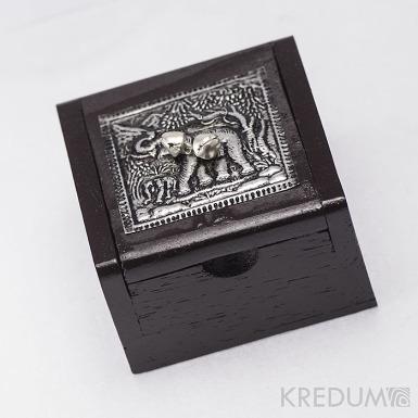 Slon a rolničky - Dřevěná krabička z cizokrajného dřeva
