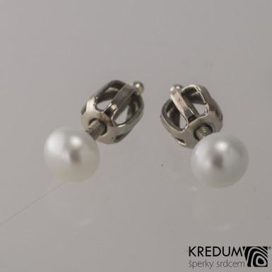 Kiki Golden white - Perlové náušničky se zlatým zapínáním