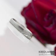 Siona white - Kovaný prsten damasteel a diamant 1,7 mm ve zlatě - struktura dřevo, produkt č. 2216