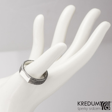 GLINT - struktura voda - Kovaný prsten z oceli damasteel