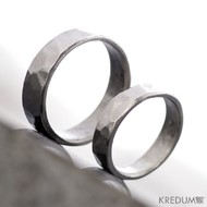 Kovaný nerezový snubní prsten - Draill line světlý, leštěný