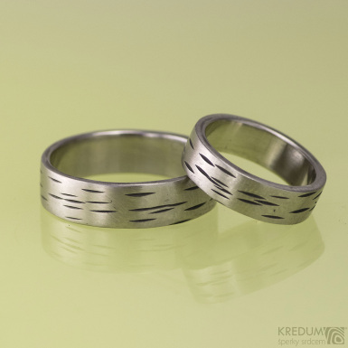 Kovaný nerezový snubní prsten - BETULA