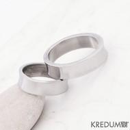 Kovaný nerezový snubní prsten - Žlábek