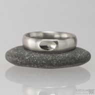 Kovaný nerezový snubní prsten - Klasik s ozdobou - mat
