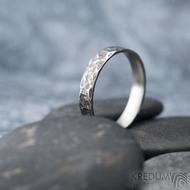 Archeos - velikost 62 CF, šířka 4,2 mm, tloušťka 1,4 mm - Kovaný nerezový snubní prsten, SK1303 (2)