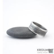 Collium line - vel 53 7,2 mm 1,6 mm dřevo - 100% zatmavené - Damasteel snubní prsteny - sk1304
