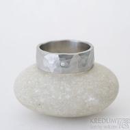 Draill a čirý diamant 1,5 mm, velikost 62, šířka 7,5 mm, matný - Ocelový snubní prsten