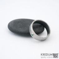 Draill a smaragd 2 mm do Ag - vel 53 6,9 1,2 mm lesklý - Nerezový snubní prsten - sk1456 (2)