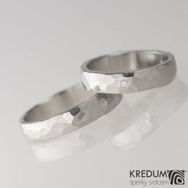 DRAILL a čirý diamant 1,7 mm - Prsten kovaný z nerezové oceli - světlý