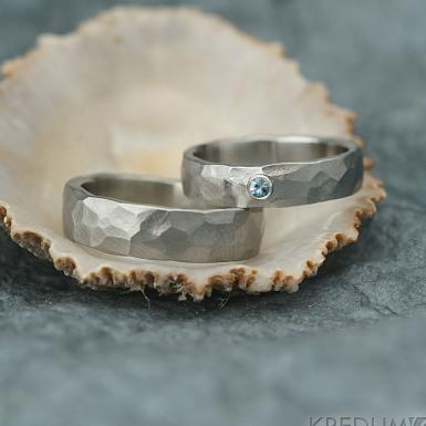Draill světlý a broušený kámen nad 2 mm do stříbra - Prsten kovaná nerezová ocel