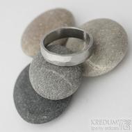Draill matný - velikost 58, šířka 5,3 mm, tloušťka 1,4 - 1,6 mm, vnitřek rovný - Kované snubní prsteny z nerezové oceli - sk2220 (2)
