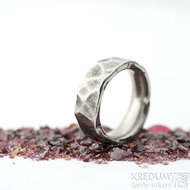 Draill titan lehce zatmavený - velikost 51 s vnitřním zaoblením, šířka 7 - 7,2 mm, tloušťka 2,8 mm - Kovaný prsten, SK2103 (5)