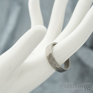 Draill titan matný - velikost 63,5 s vnitřním zaoblením, šířka 5,8 mm, tloušťka 1,8 mm - Snubní prsteny z titanu - sk1991 (2)