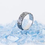 Draill tmavý - 55, šířka 5,6 mm, tloušťka 1,5 mm - Kovaný prsten z nerezové oceli, SK2460 (4)