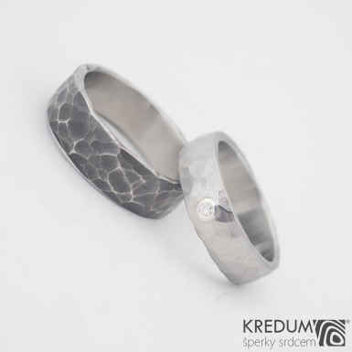 Draill světlý (matný) a broušený moissanite 2 mm do stříbra - velikost 59, šířka 6 mm a Draill tmavý 65 šířka 7 mm