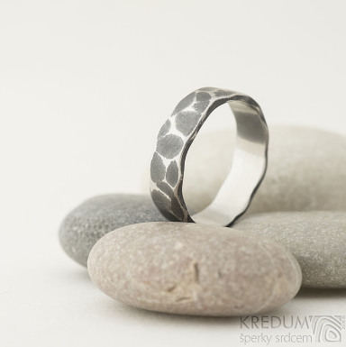 Draill tmavý - velikost 60, šířka 6 mm, tloušťka slabá - Kovaný prsten z nerezové oceli, SK2217 (3)