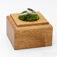 Dřevěná aranžovací podložka na snubní prsteny (10)