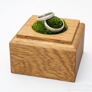 Dřevěná aranžovací podložka na snubní prsteny (11)