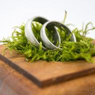 Dřevěná aranžovací podložka na snubní prsteny (14)