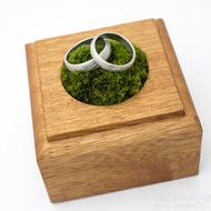 Dřevěná aranžovací podložka na snubní prsteny (7)
